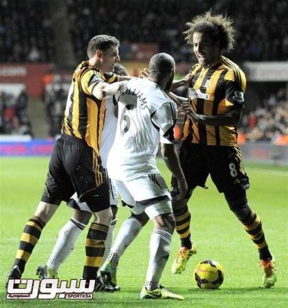 تغريم سوانزي وهال بسبب مشاجرة بين اللاعبين
