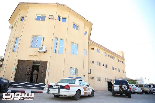 سرقة مبنى إدارة نادي الرائد  -(1)- -- (1)