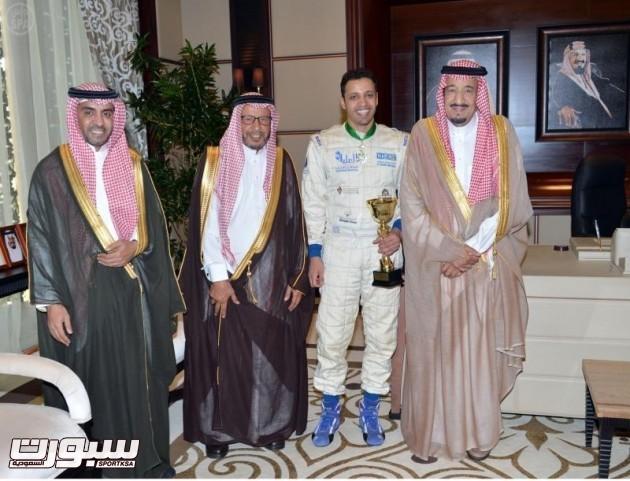 سمو ولي العهد يستقبل بطل العالم للراليات الصحراوية ياسر بن حمد بن سعيدان