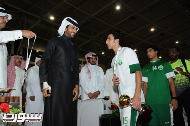 صالح العمري حاز على جائزة هداف البطولة بـ3 أهداف