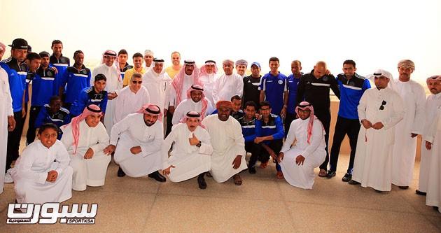 صورة جماعية من احتفالية الرائد بالبعثة العمانية