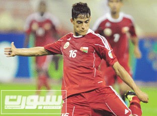 عبدالعزيز المقبالي لاعب منتخب عمان ونادي التعاون
