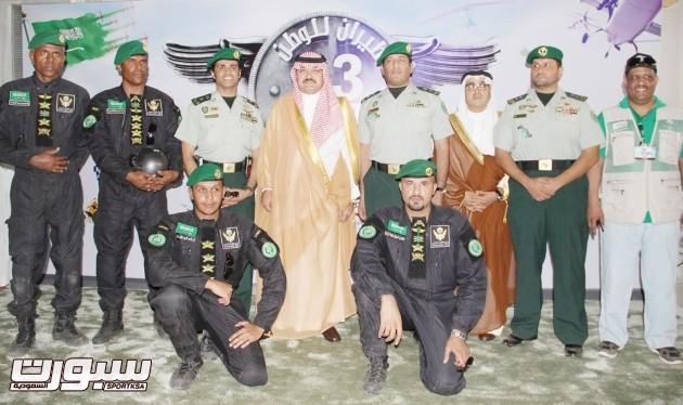 فريق الطيران الشرعي بالحرس الملكي مع سمو الامير محافظ جدة