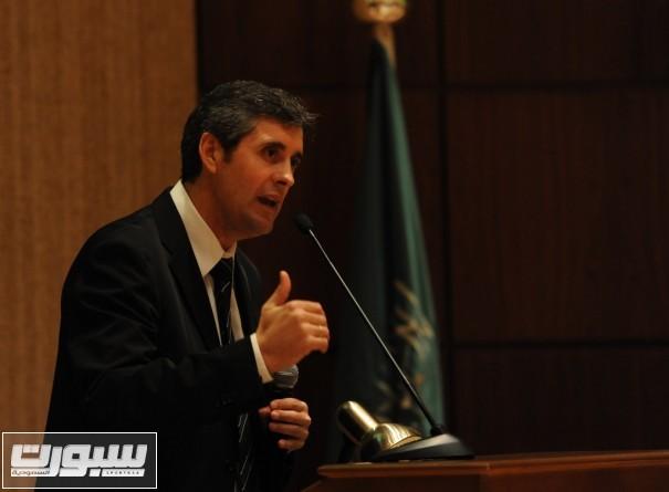 رئيس اللجنة الفنية للمنتخبات السيد لوبيز كارو