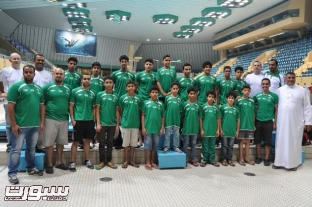 منتخب السباحة