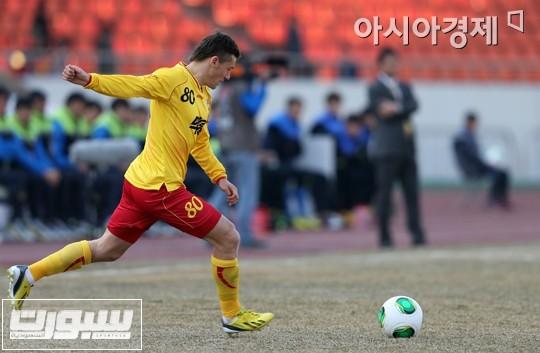 جيباروف أثناء مشاركته مع فريقه الجديد قبل يومين