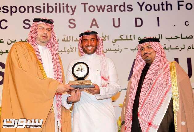 يزيد الراجحي يواصل اكتساح الألقاب بجائزة أفضل رياضي في المسؤولية الاجتماعية