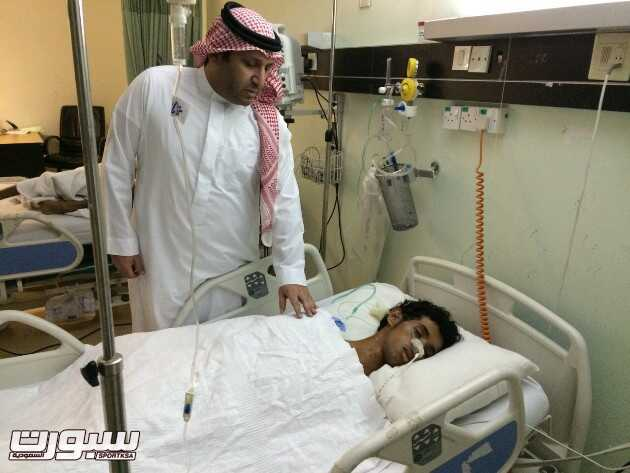 عضو الشرف وائل غلام واللاعب المصاب منصور الغامدي