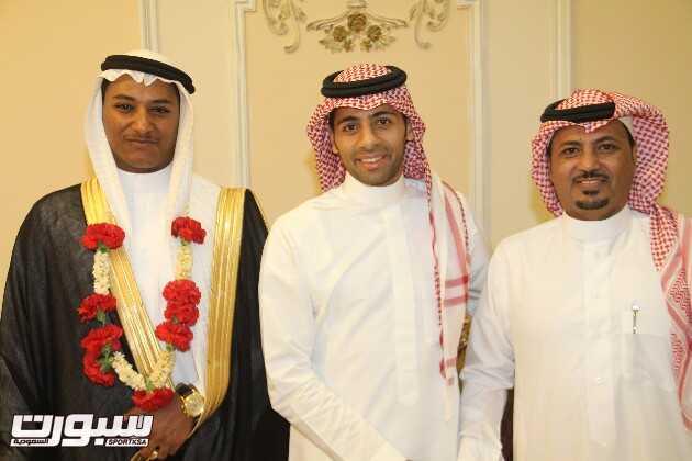 بالصور | نجوم الأهلي يجتمعون في حفل زفاف المترجم