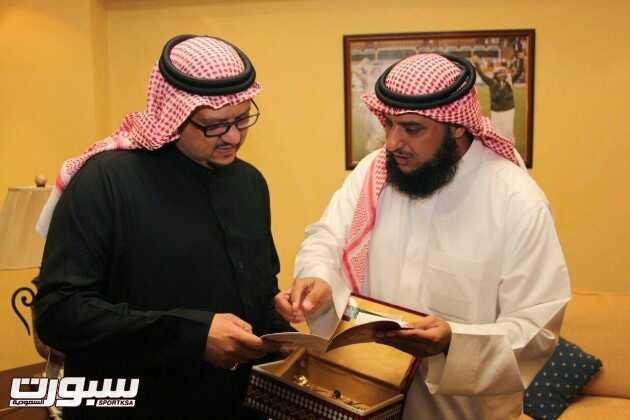 بالصور | رئيس النصر يشيد بمكتب توعية الجاليات بالبطحاء