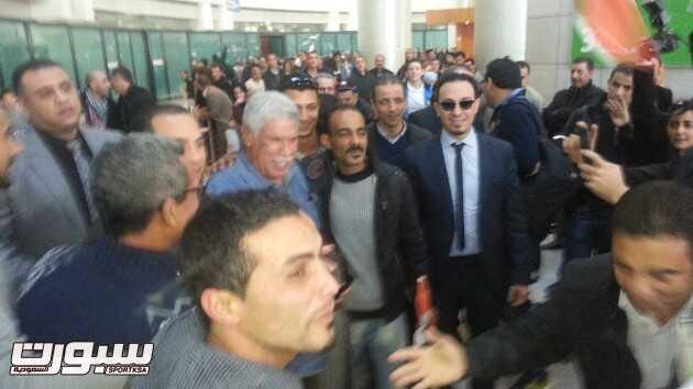 """شحاتة يحل بالجزائر لحضور حفل الكرة الذهبية لصحيفة """"الهدّاف"""""""