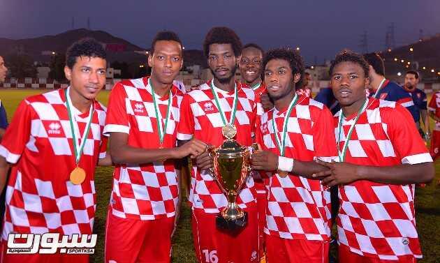 بالصور | أولمبي الوحدة يحقق كأس مكتب مكة على حساب التسامح