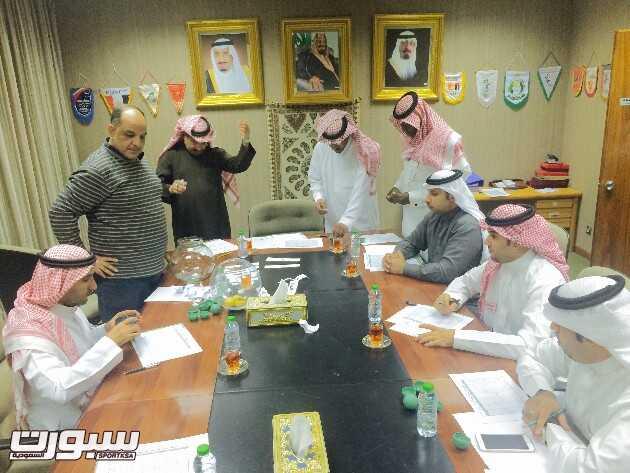 الأهلي يواجه القادسية في كأس الأمير سلطان بن فهد لكرة اليد