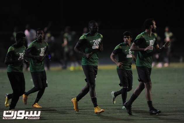 تدريب المنتخب 5-106