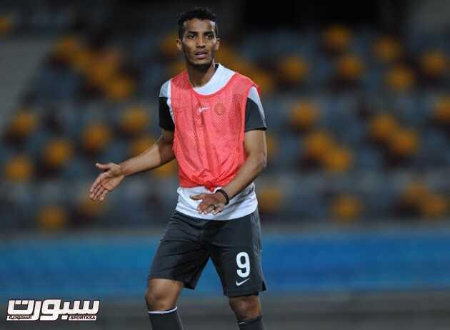 تدريبات المنتخب السعودي 19 نايف هزازي