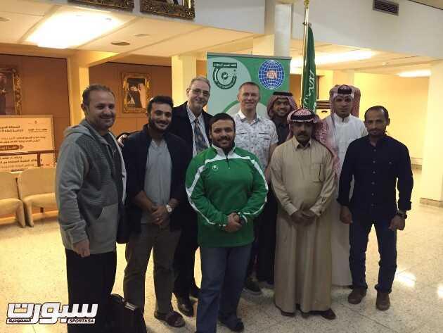 صورة جماعية للمشاركين بالدورة