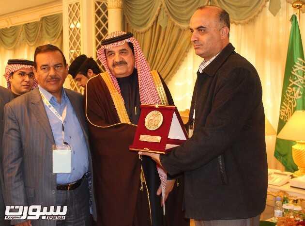 درع الوفد الاردني لنائب وزير الداخلية