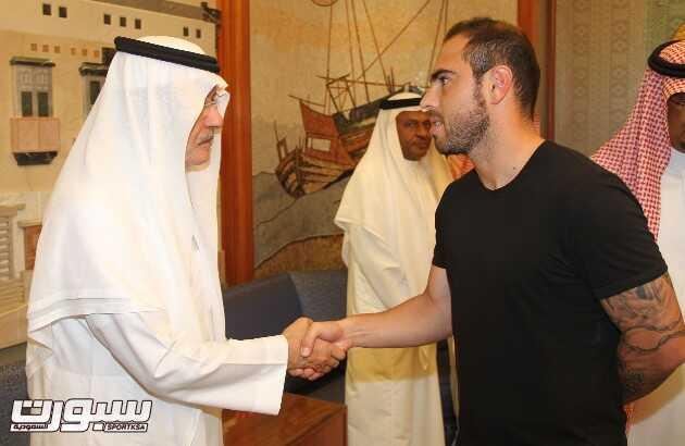 بالصور | الأمير خالد يستقبل تعازي أصحاب السمو الأمراء وجموعا من المواطنين