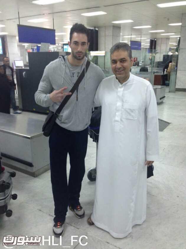 الزويهري تكفل بالصفقة ..والتوقيع غداً : الأهلي يدعم طائرته بلاعب عالمي