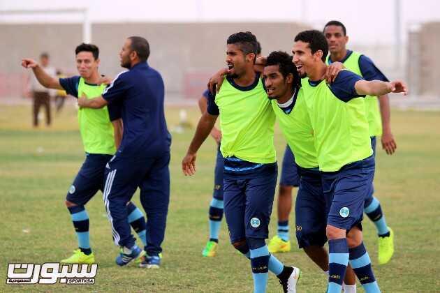 بالصور   الغنيم يحفز لاعبي الجيل بالمكافآت قبل مواجهة الرياض