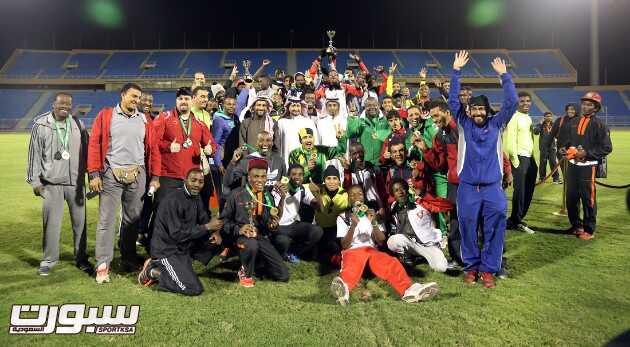 الوحده فاز بكأس بطولة اندية الأولى