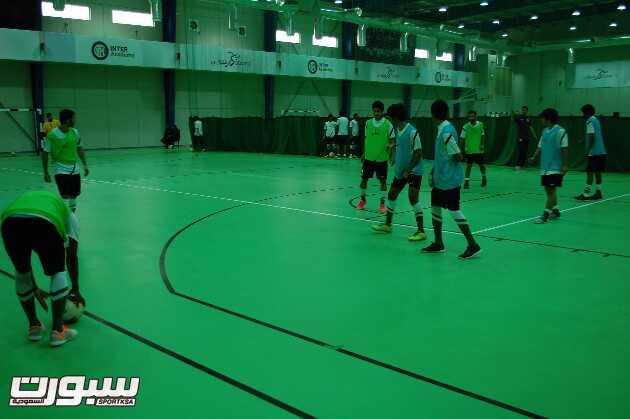 بالصور | اخضر الصالات يواصل تدريباته استعداداً للبطولة الخليجية
