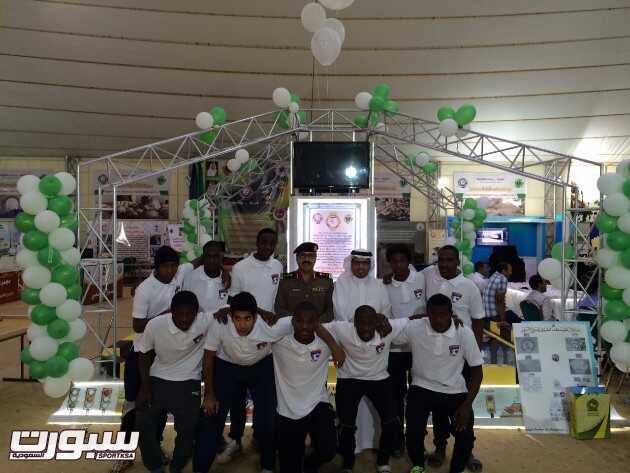 شباب نادي الأنصار يشاركون بأسبوع المرور الخليجي