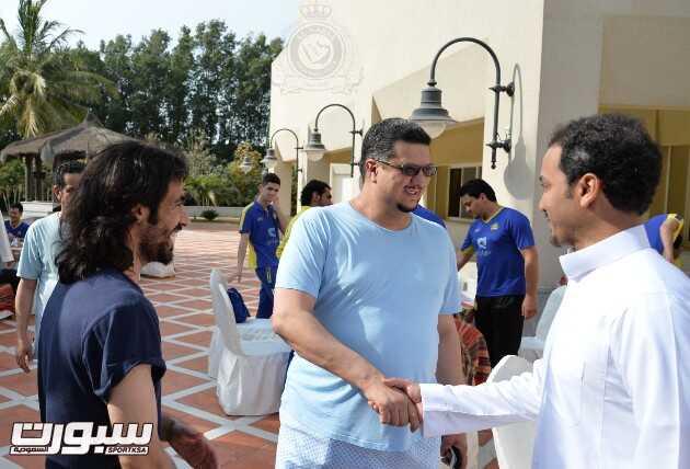 رئيس النصر يستضيف اللاعبين في قصره