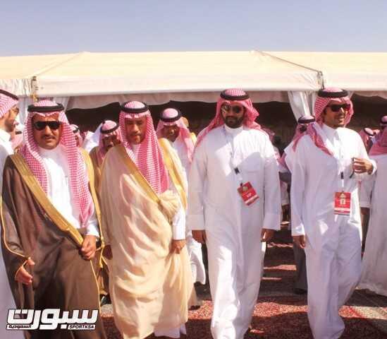 رئيس اتحاد السيارات يشرف حفل أهالي بقعاء