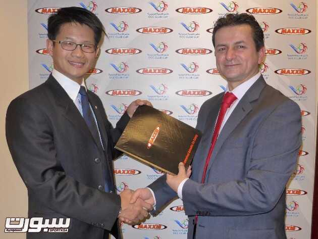 Jeffrey Lai (Maxxis International Middle East and Africa Regional Manager) and Adnan Merheb (WSG)