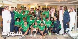 الوليد بن طلال يستقبل لاعبي الأهلي