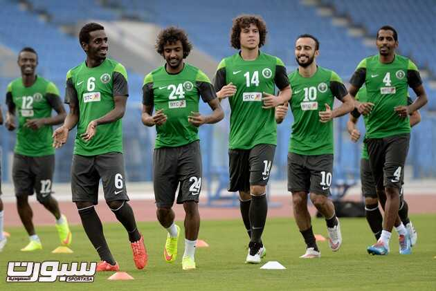 صور من تدريبات الأخضر السعودي