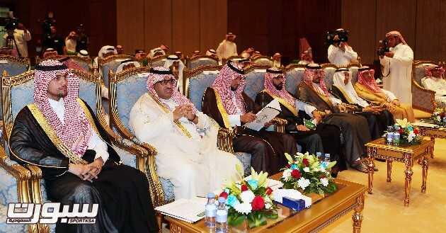 اعضاء مجلس إدارة اللجنة الأولمبية خلال اجتماع الجمعية