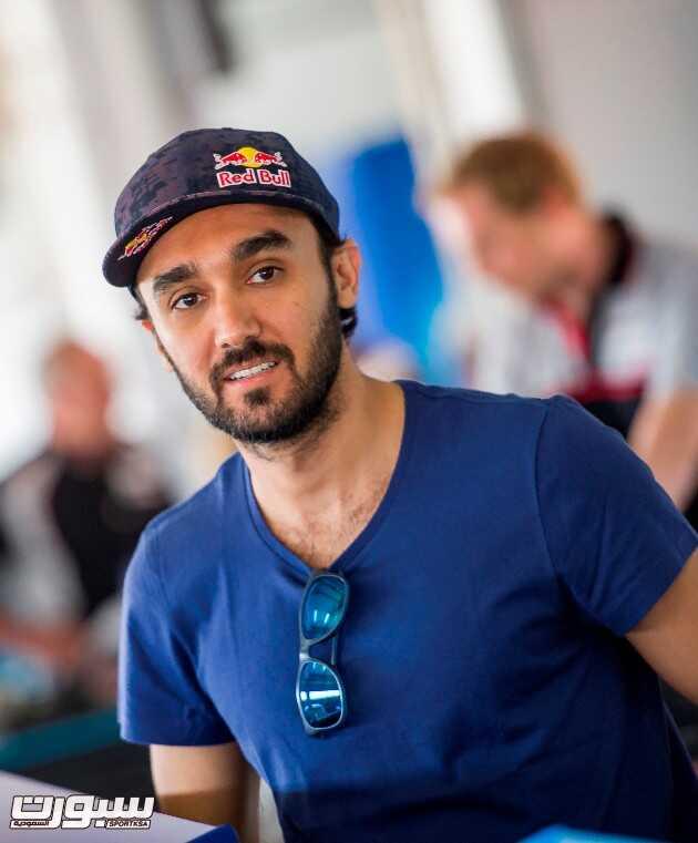 PorscheGt3CCME_Pres_Season_Test_2015_AklYazbeck_010