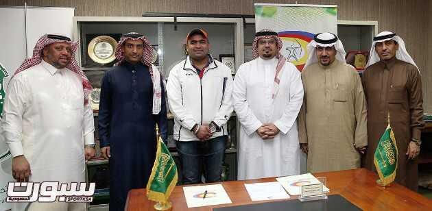 اعضاء مجلس ادارة الاتحاد في صورة جماعية عقب مراسم التوقيع