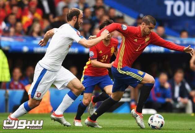 اسبانيا و التشيك (580405749) 