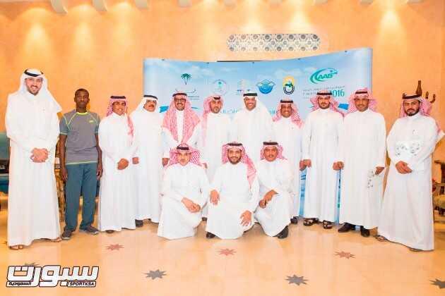 صورة جماعية منسوبي اتحاد الرياضيات الجوية مع رئيس اتحاد اللجان الاولمبية الوطنية العربية سمو الأمير طلال بن بدر بن سعود