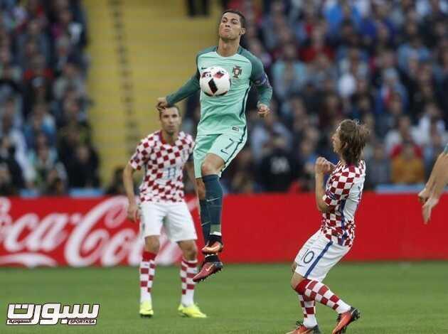 البرتغال و كرواتيا (400207501) 