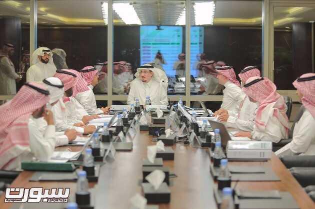 وزير العمل والتنمية الاجتماعية خلال ترؤسه اجتماع مجلس إدارة الصندوق الخيري