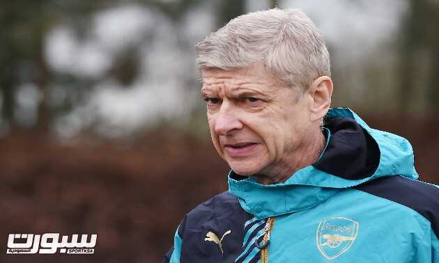 epa05175152 Arsenal manager Arsene Wenger during a training session at Arsenal's training complex at London Colney, north of  London, Britain, 22 February 2016. Arsenal play Barcelona in a Champions League Round of 16 soccer match at the Emirates Stadium in London 23 February.  EPA/ANDY RAIN