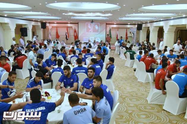 تكريم الوفود المشاركة في البطولة العربية لمنتخبات الناشئين لكرة اليد – عدسة خالد السفياني