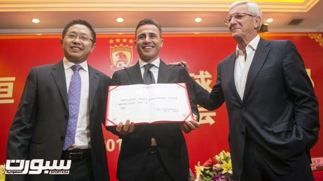كانافارو بديلاً لمواطنه ليبي في تدريب جوانجزهو الصيني