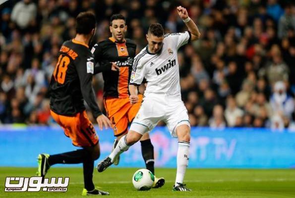 9Valencia vs Real Madrid Benzema