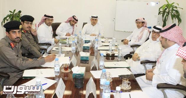 40 متطوع في اللبجنة الإعلامية والبطي يجتمع مع ممثلي القطاعات الأمنية