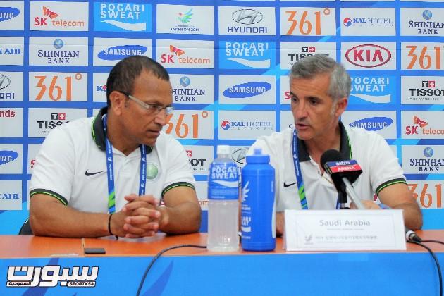 مدرب المنتخب السعودي الأولمبي لكرة القدم الإسباني لورينزو أنترولينيز