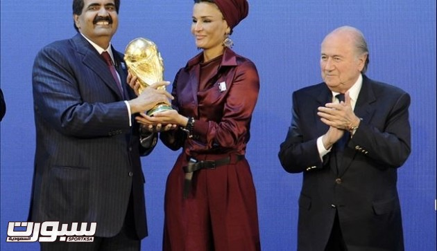 بلاتر يعترف بإمكانية سحب كأس العالم 2022 من قطر
